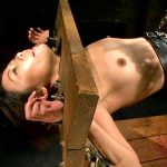 満たされない日々に我慢できない素人妻がマゾ性癖を赤裸々に告白志願SM調教動画